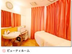 産後のご入院中に本格的なエステティックサービスを行っております。